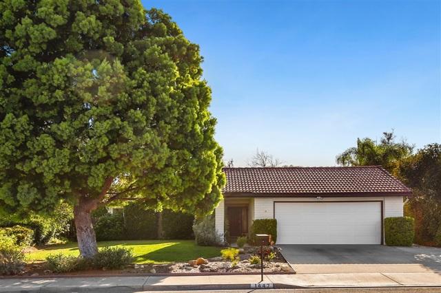 1447 Pine Ridge Rd, Oceanside, CA 92056