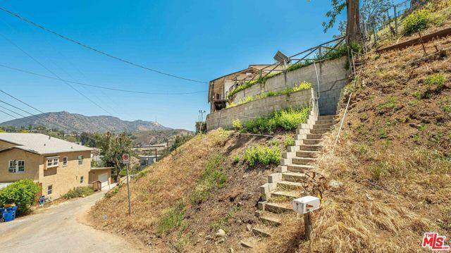 4. 6850 Cahuenga Park Trail Hollywood, CA 90068