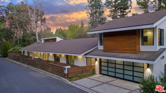 4822 QUEEN VICTORI Road, Woodland Hills, CA 91364