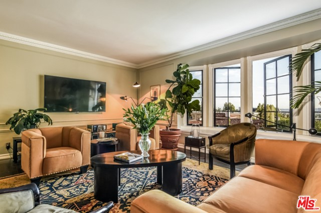 Photo of 1416 N HAVENHURST Drive #3B, West Hollywood, CA 90046