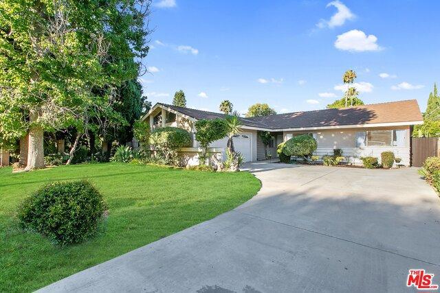 8950 GOTHIC Avenue, North Hills, CA 91343