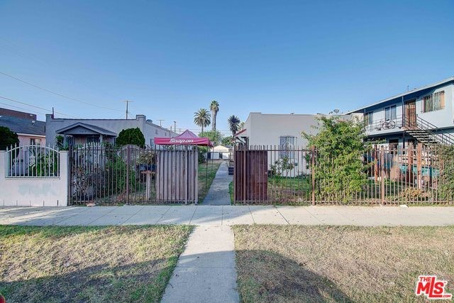 1739 W 60TH Street, Los Angeles, CA 90047