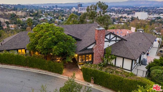 4033 Deervale Drive, Sherman Oaks, CA 91403