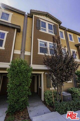 14120 W OAK Lane, Van Nuys, CA 91405