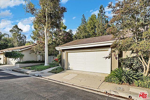 Photo of 625 Via Novella, Oak Park, CA 91377