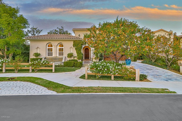 457 Vineyard Drive, Simi Valley, CA 93065