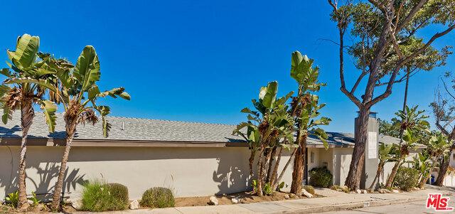 2020 CASTILIAN Drive, Los Angeles, CA 90068