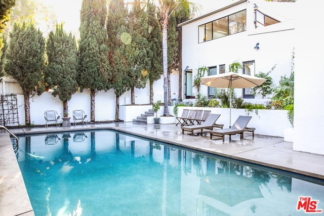2394 KENILWORTH Avenue, Los Angeles, CA 90039