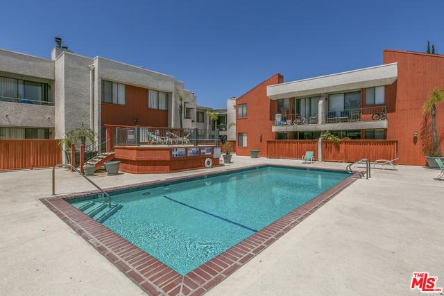 7211 COZYCROFT Avenue 42, Winnetka, CA 91306