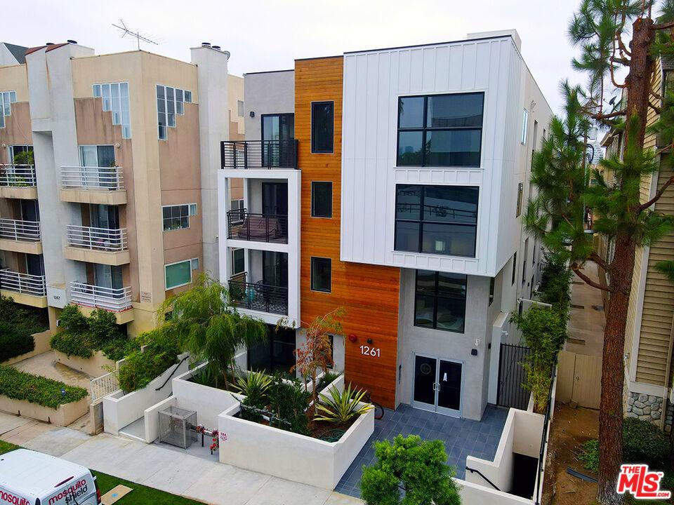 Photo of 1261 Stoner Avenue, Los Angeles, CA 90025