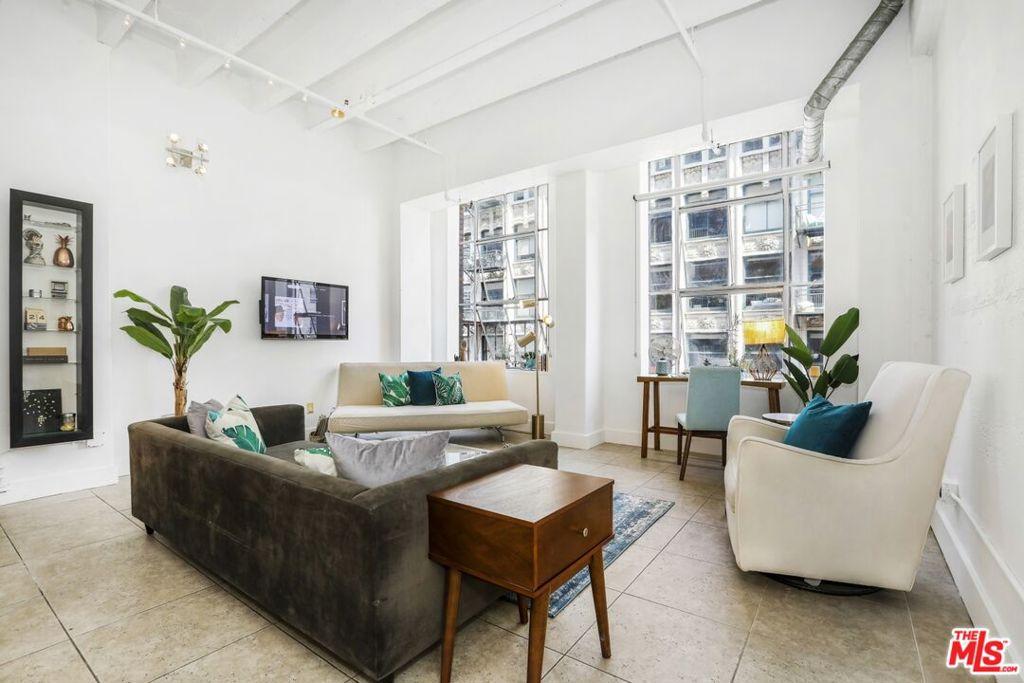 312 5Th Street, Los Angeles, California 90013, 1 Bedroom Bedrooms, ,1 BathroomBathrooms,Residential,Condominium,For Sale,5Th,21787196