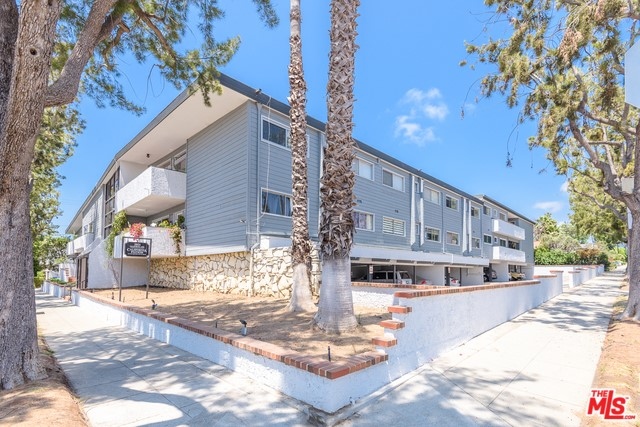 2021 CALIFORNIA Avenue 14, Santa Monica, CA 90403
