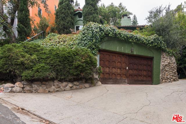 6943 CAMROSE Drive, Los Angeles, CA 90068