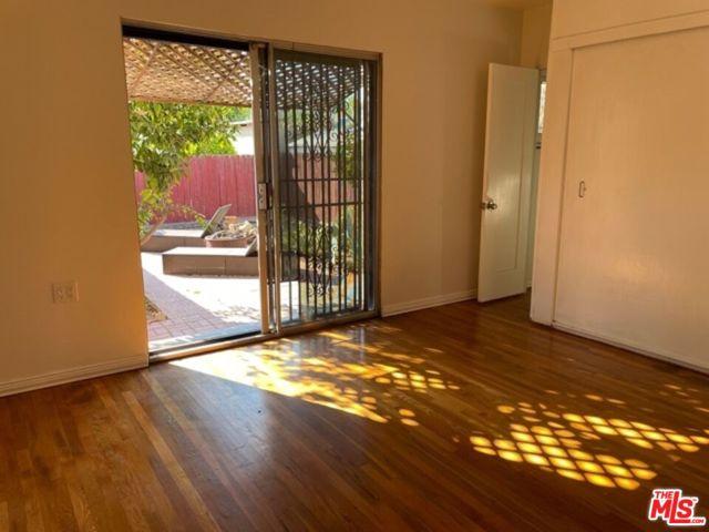 5709 Ensign Avenue, North Hollywood CA: https://media.crmls.org/mediaz/F07E653C-C090-4DAB-857C-877C1046D7BE.jpg