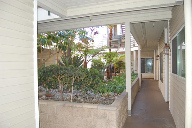 2706 Honolulu, Montrose, CA 91020 Photo 2