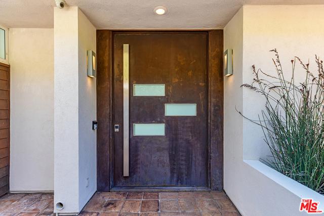4. 21070 Las Flores Mesa Drive Malibu, CA 90265