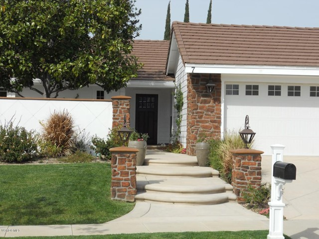 7 Venus Street, Thousand Oaks, CA 91360
