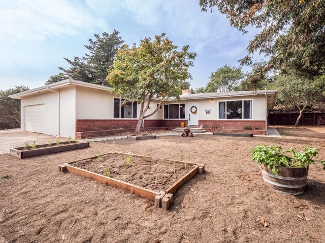 Photo of 1172 Via Del Sol Road, Prunedale, CA 93907