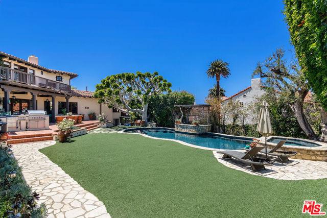 12. 453 Via Media Palos Verdes Estates, CA 90274
