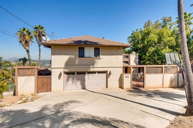 2140 Helix St, Spring Valley, CA 91977