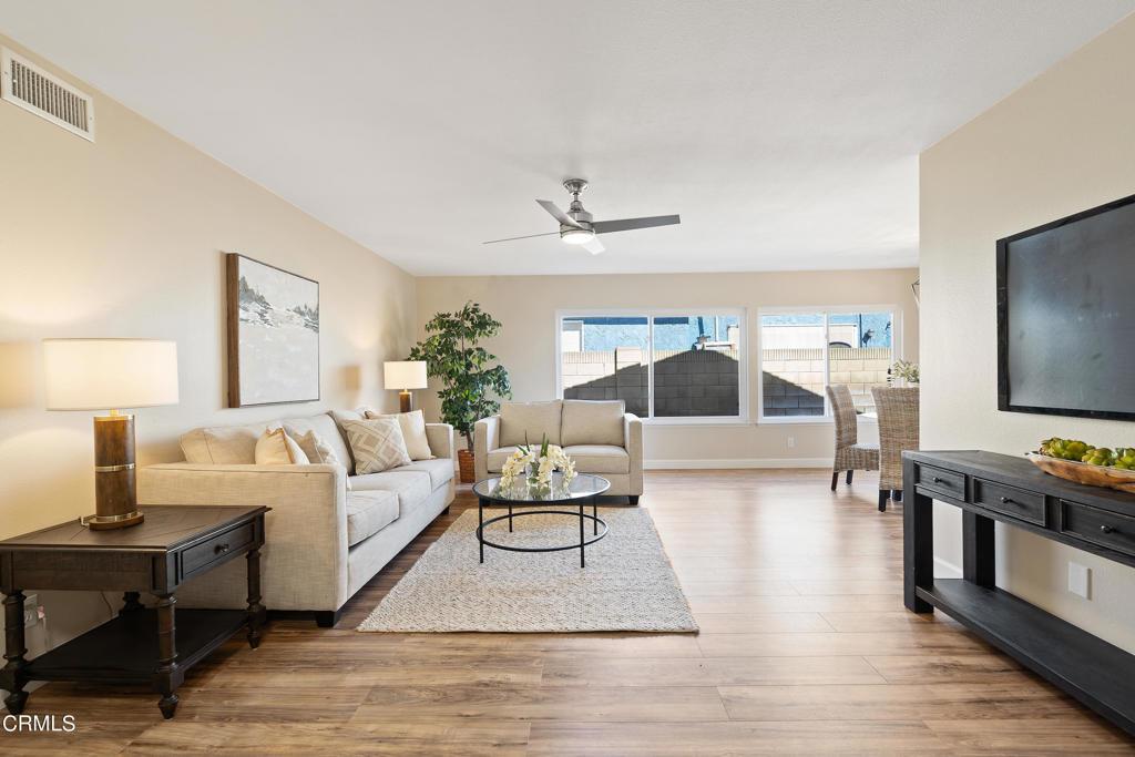2736     Royal Avenue, Simi Valley CA 93065