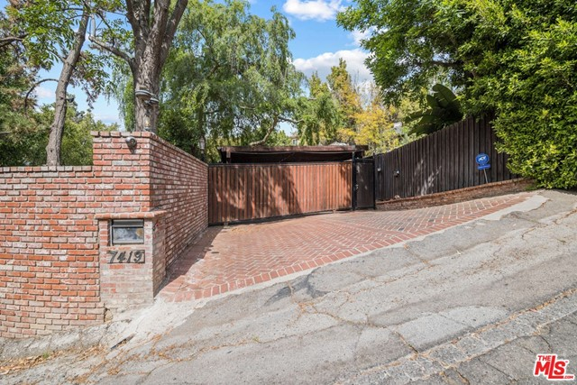 7419 Del Zuro Dr, Los Angeles, CA 90046 Photo 37