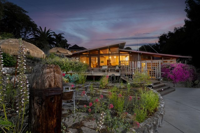 54. 264 15th Avenue Santa Cruz, CA 95062