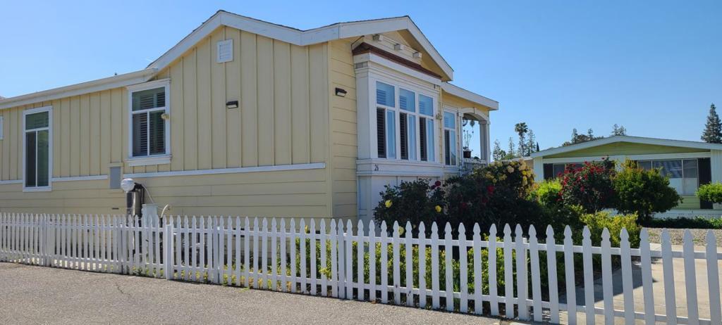 5450     Monterey Highway   26, San Jose CA 95111