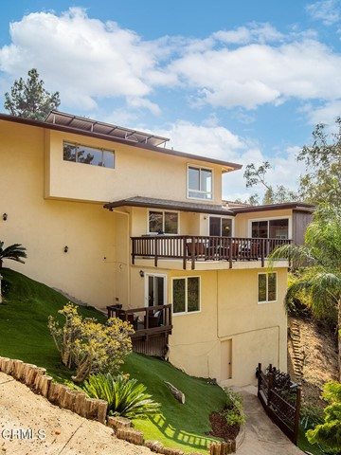 706 Flores de Oro, South Pasadena CA: https://media.crmls.org/mediaz/F36BFD13-ADA1-4B71-AD97-ADE3E2E10EF4.jpg