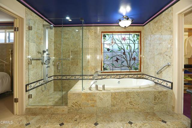 45Master Bathroom2
