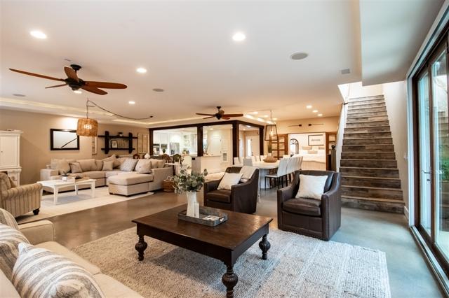 2034 Lincoln St, Oceanside, CA 92054
