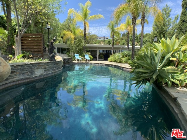 5018 Sanlo Place, Woodland Hills, CA 91364