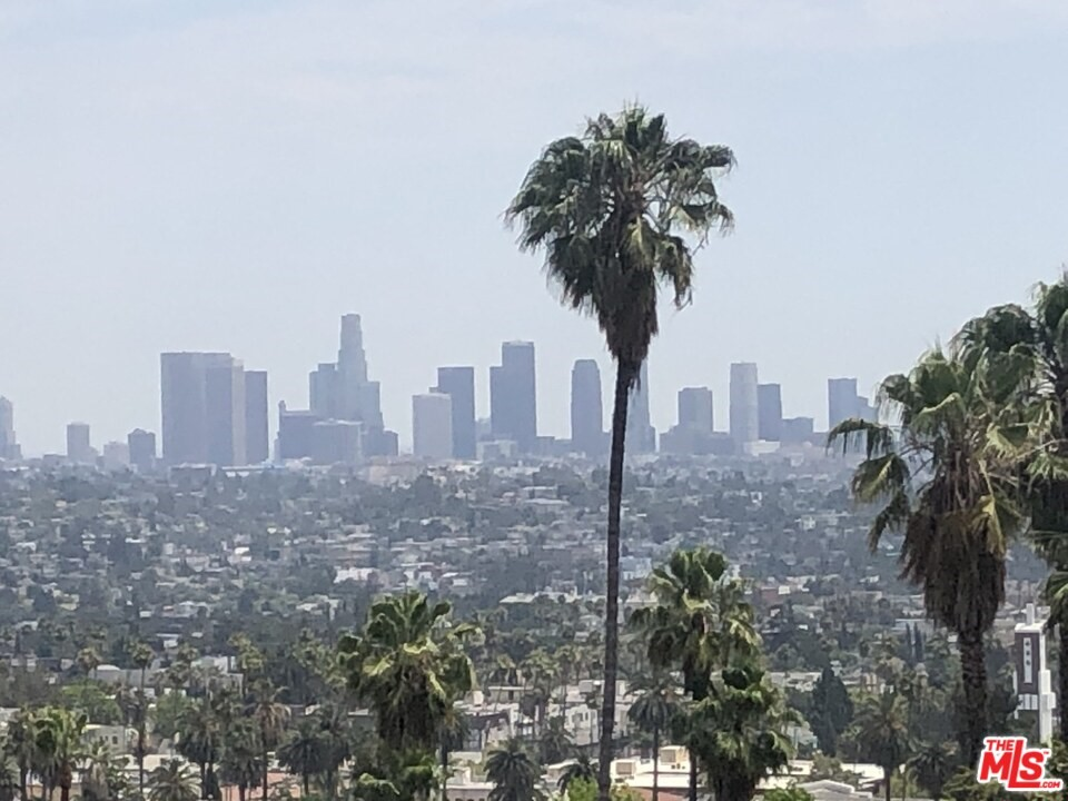 Photo of 2500 Glendower Avenue, Los Angeles, CA 90027