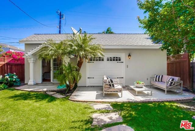 27. 1724 S Carmelina Avenue Los Angeles, CA 90025