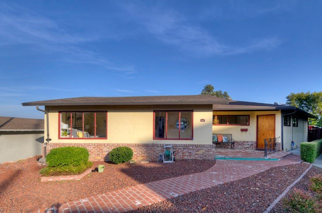 137 Acacia Court, San Carlos, CA 94070