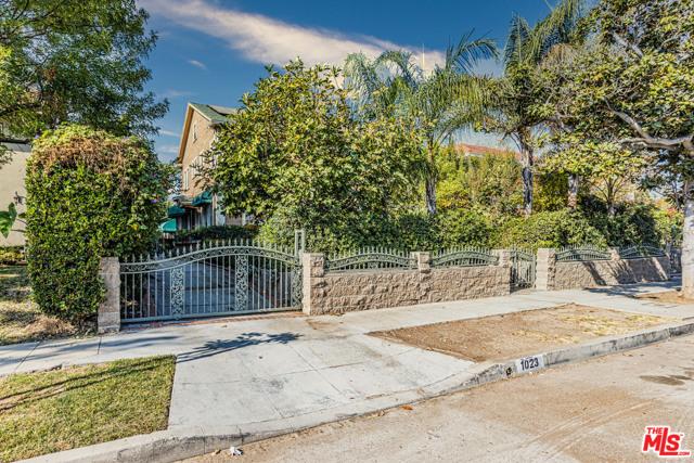 Image 3 of 1023 S Wilton Pl, Los Angeles, CA 90019