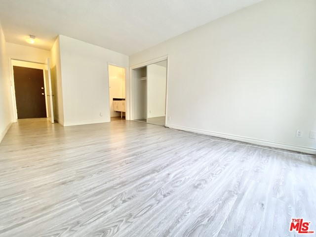 *Amazing renovated 2-bd 2-ba East Hollywood apartment!**Pool! First floor unit in a small 28-unit building. 2-car Tandem Underground Parking Included for just $50. Newly remodeled! Hardwood floors throughout, recessed lighting, stainless steel appliances, over 1100+ sq ft, 2 full baths, private balcony, and AC units in bedrooms, on-site laundry room, amazing pool and elevator on property, gated front entry, and CCTV recording 24/7! Melrose on ramp to 101 freeway just two blocks away. North of Santa Monica, South of Fountain, West of Vermont, East of Western.AmenitiesPoolCCTVElevatorSecured GateReserved Gated Parking ($50)Square footage, when listed or from inquiry, is approximate*Pricing is subject to change without notice*Pricing can vary between similar apartments for many reasons*Features may vary between similar apartments*Renter to verify all information, including availability*Rental Policy may change without notice*
