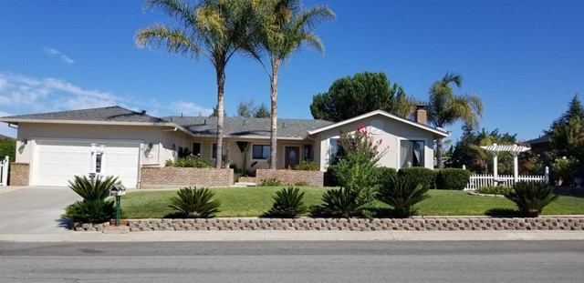 865 Lanini Drive, Hollister, CA 95023