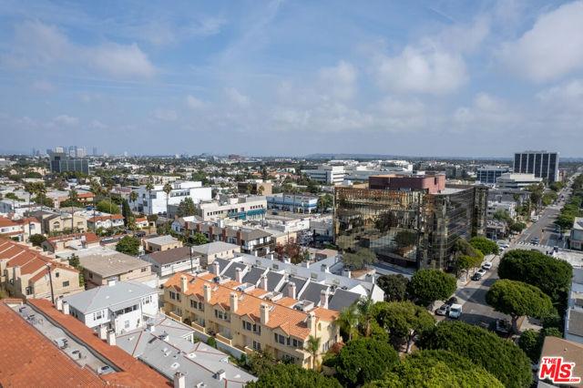 1127 20Th Street, Santa Monica CA: https://media.crmls.org/mediaz/F73618FB-8075-43F7-8081-EE33752DC780.jpg