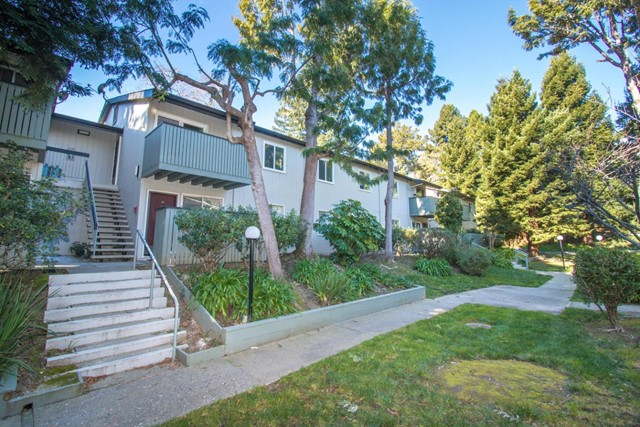 419 Piccadilly Place 14, San Bruno, CA 94066