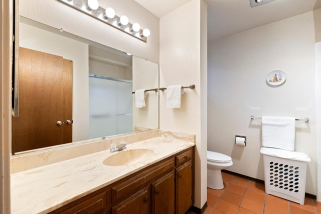 16. 2040 Middlefield Road #24 Mountain View, CA 94043