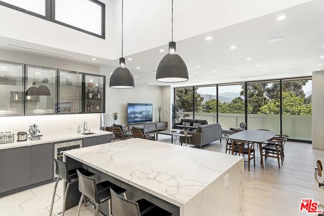 2408 Riverside Drive, Silver Lake, California 90039, 3 Bedrooms Bedrooms, ,3 BathroomsBathrooms,Residential,For Sale,Riverside,19504664