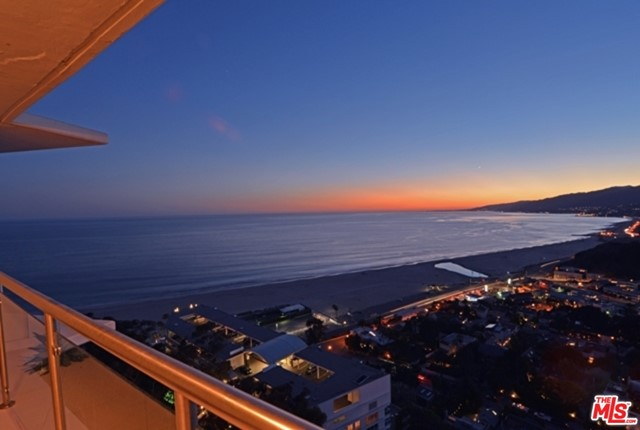 It doesn't get much better than this view. Completely reimagined 3 bed/2.5 bath unit with panoramic and unobstructed views from the Ocean to the Canyon. No expense was spared in this entertainer's delight. 5-star amenities including Valet Parking, 24-hour security, Concierge service, Pool, Gym and Spa. Steps to the beach and world famous restaurants.