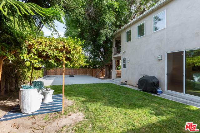 20. 8726 Bleriot Avenue Los Angeles, CA 90045