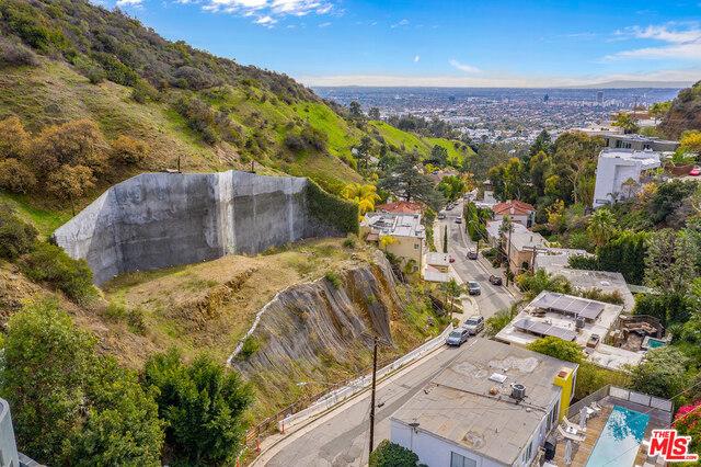 2048 Curson, Los Angeles, CA 95746