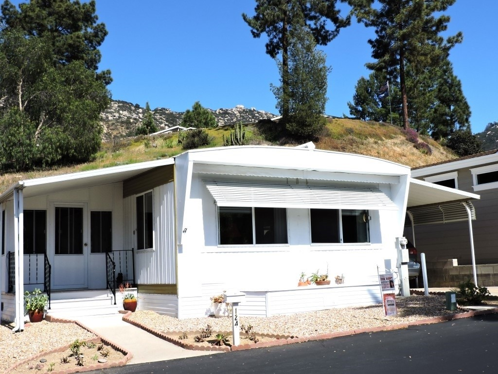 Photo of 8975 Lawrence Welk Dr #124, Escondido, CA 92026