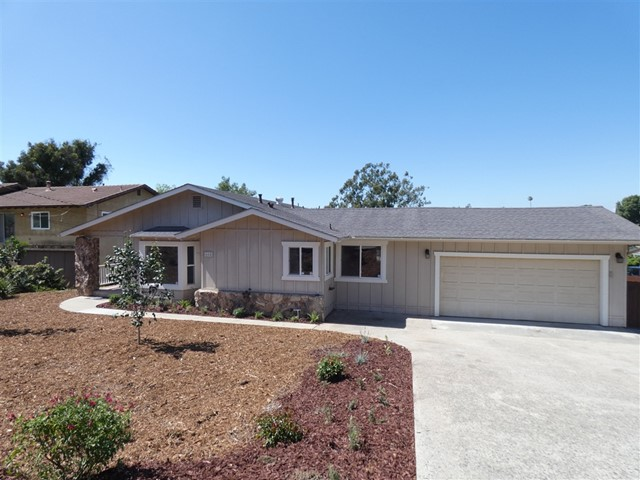 665 Sunset Dr, Vista, CA 92081
