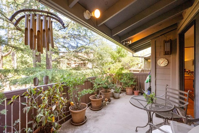 25. 2040 Middlefield Road #24 Mountain View, CA 94043