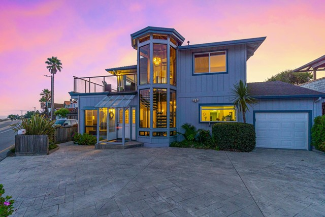 Photo of 23471 Cliff Drive, Santa Cruz, CA 95062