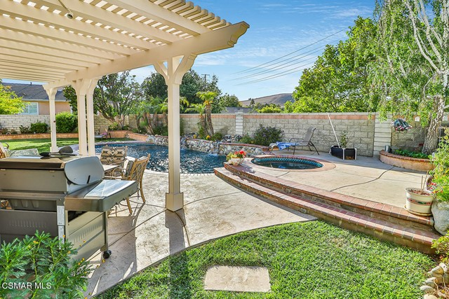 56. 215 Southcrest Place Simi Valley, CA 93065